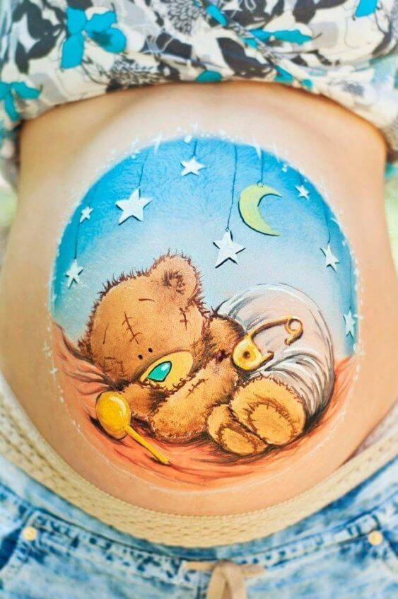 Classic round placement in belly painting