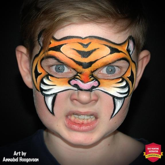 Eye-Friendly Tiger Face Paint Step-By-Step by Annabel Hoogeveen